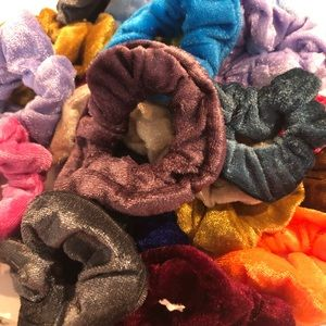 FREE Velour Scrunchie with EVERY Order ♥️